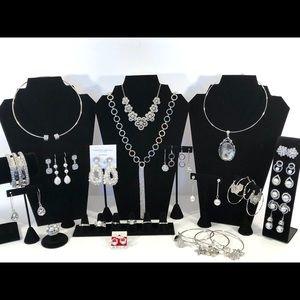 Gorgeous pearls in silver bundle
